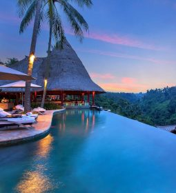 هتل ویسروی عبود بالی