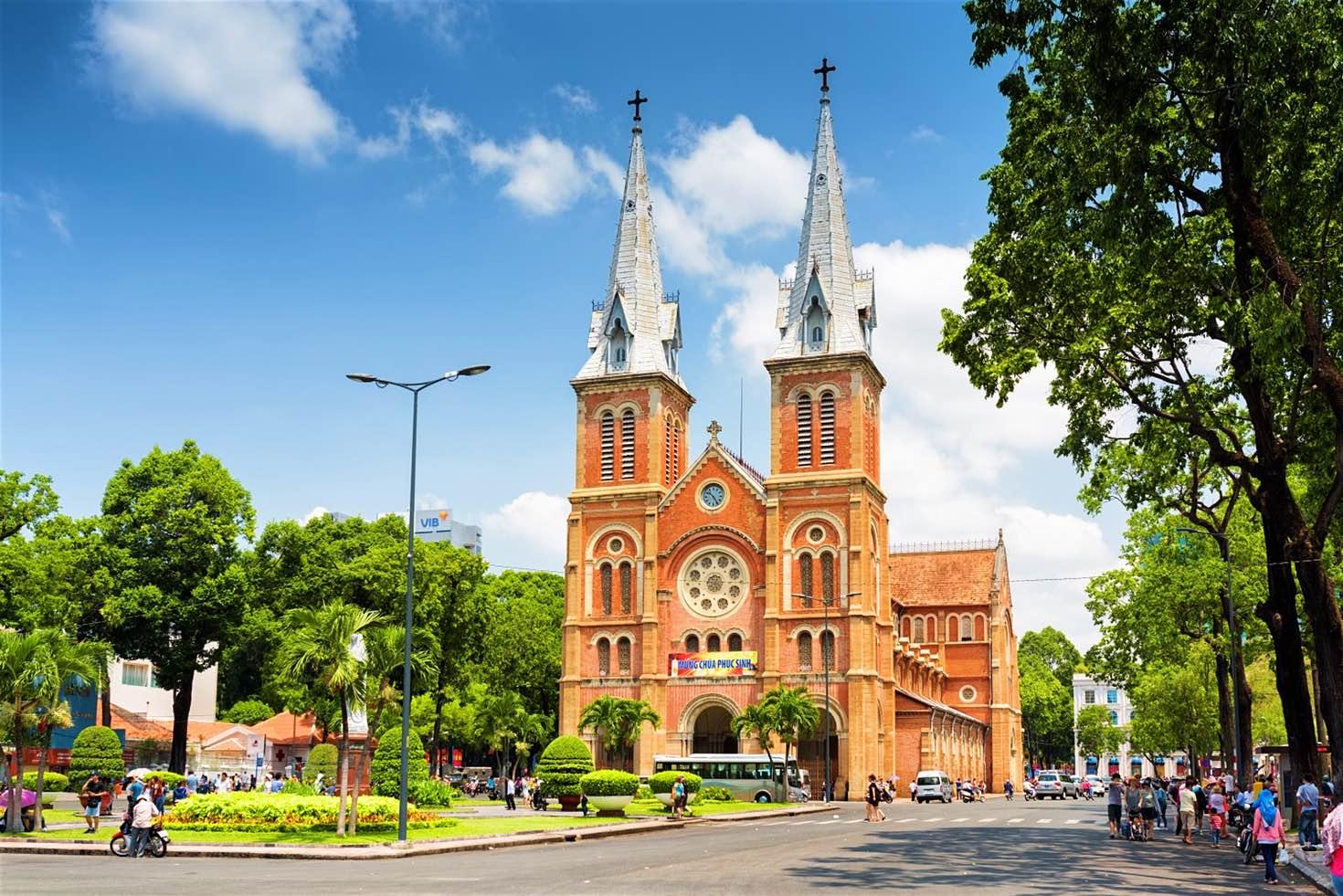 کلیسای نوتردام هوشی مینه ویتنام