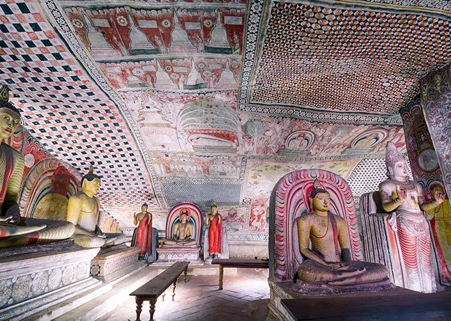 معبد غار دامبولا سریلانکا