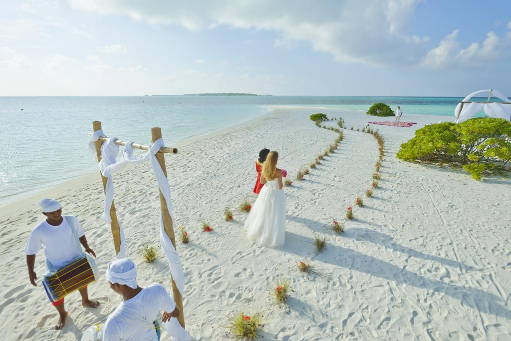 مراسم عروسی هتل هالیدی آیلند