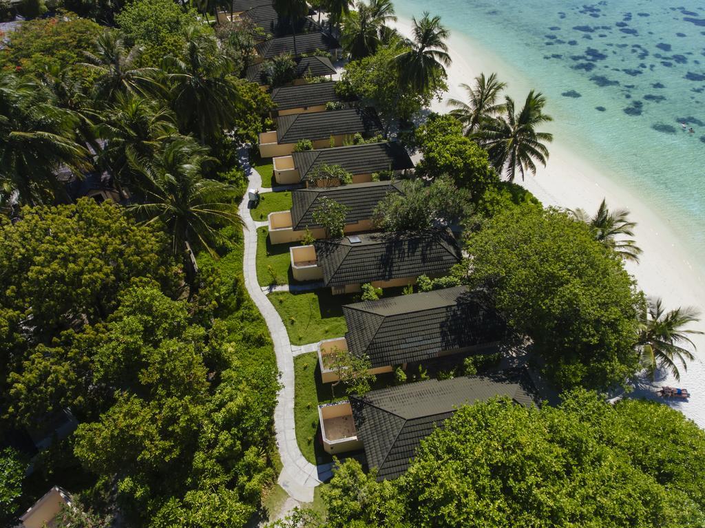 نمای بالایی هتل هالیدی آیلند مالدیو