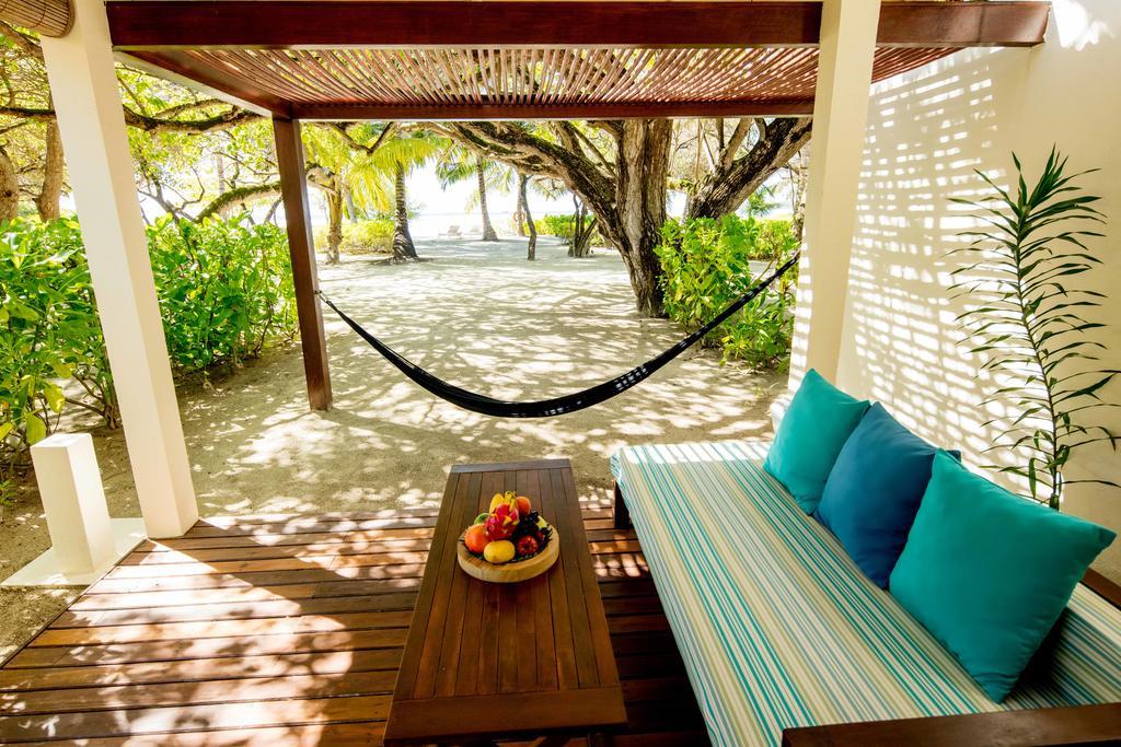فضای بیرونی هتل هالیدی این کاندوما مالدیو