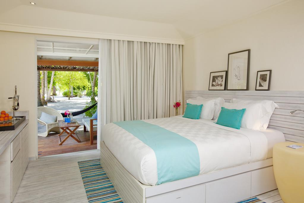 نمای داخلی هتل هالیدی این کاندوما مالدیو