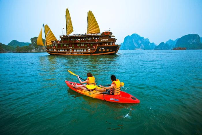 تور هوشی مینه و هانوی و خلیج هالونگ ویتنام
