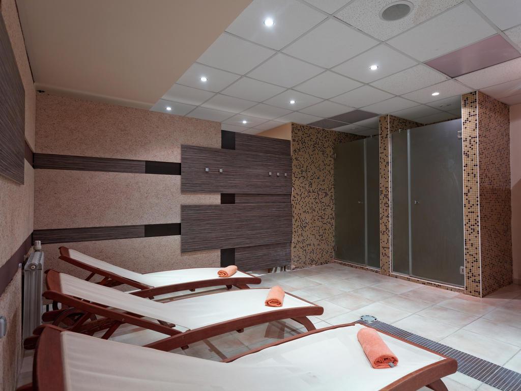 هتل اطلس 3 ستاره وارنا بلغارستان
