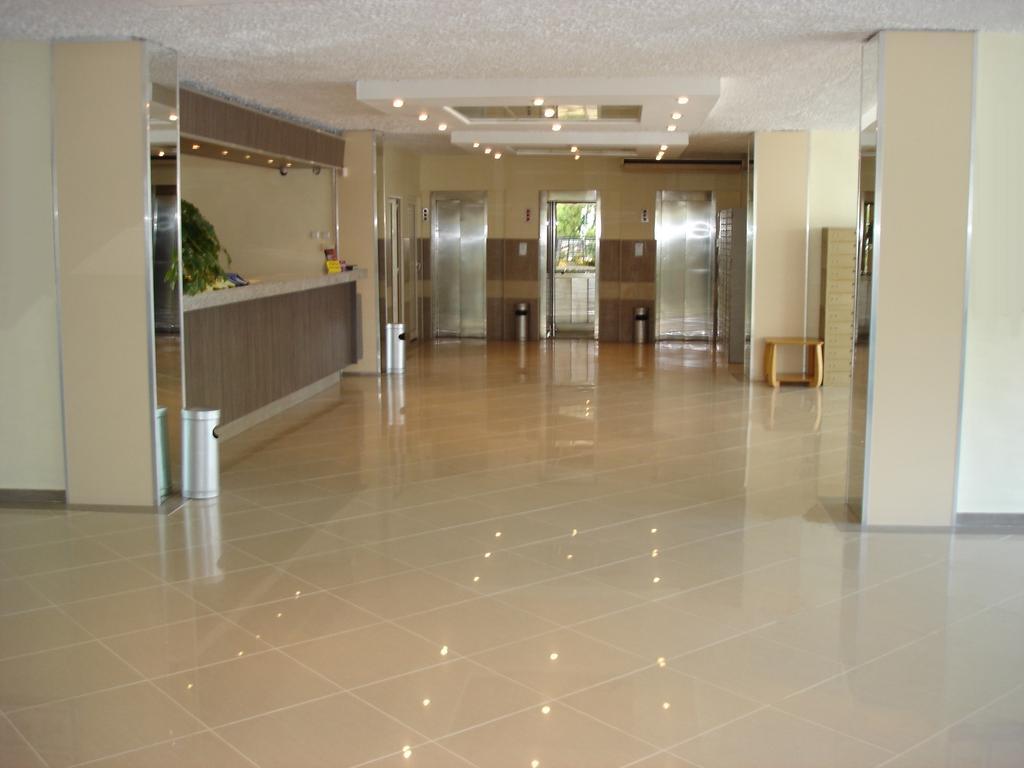 هتل 3 ستاره بونیتا وارنا