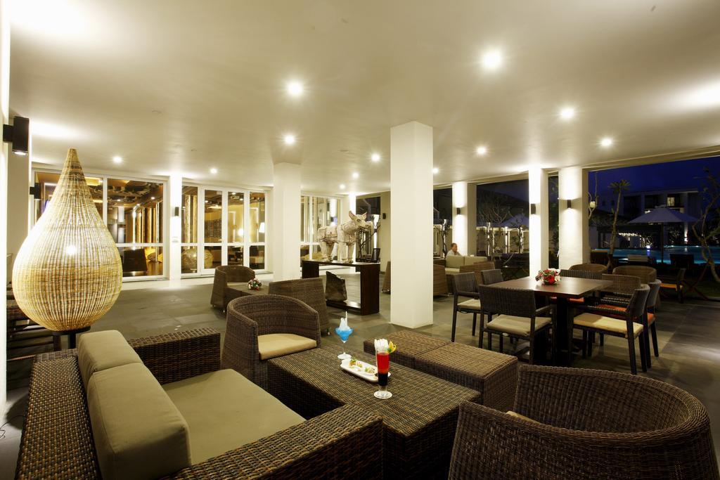 فضای داخلی هتل سنتارا سِی سندز