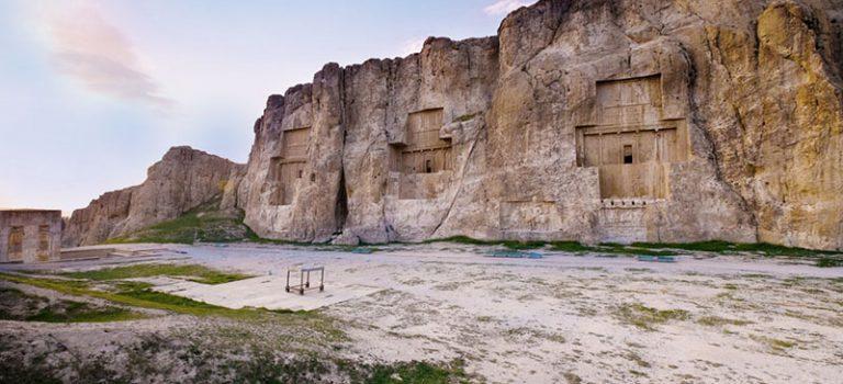 نقش رستم و کعبه زرتشت | آرامگاه داریوش | آرامگاه خشایار شاه