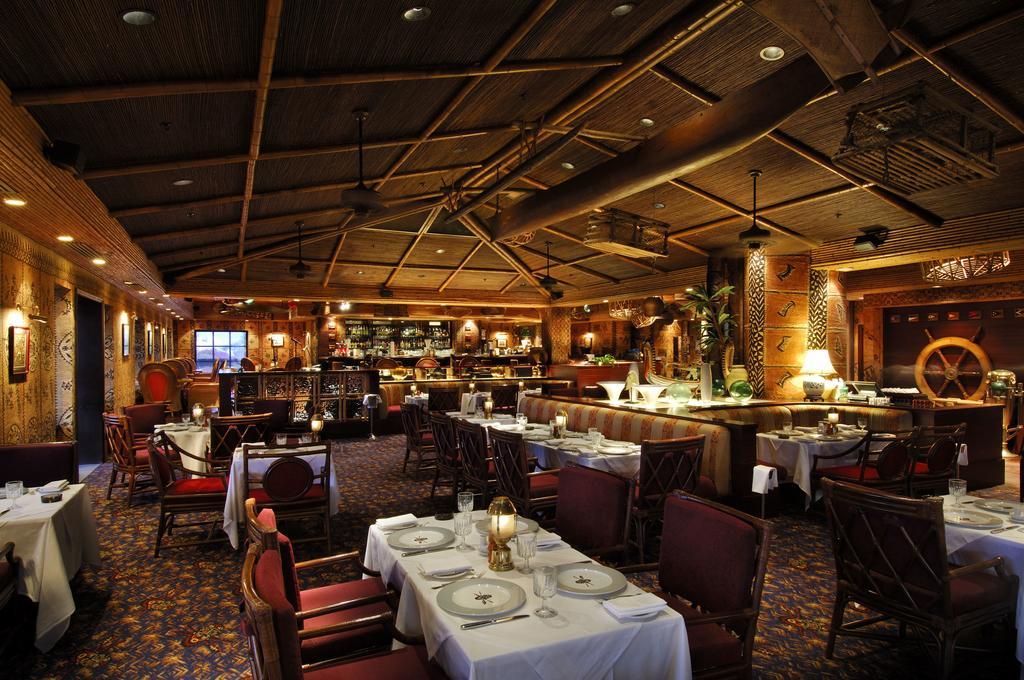تور مسقط عمان هتل اینترکانتیننتال