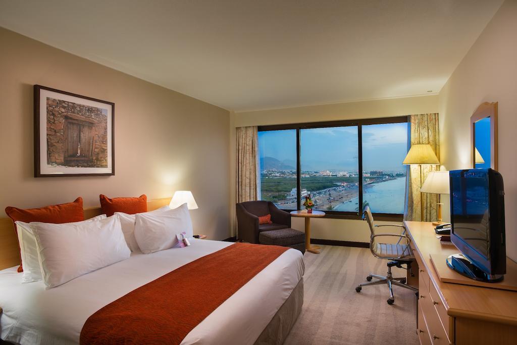 هتل کرون پلازا مسقط عمان