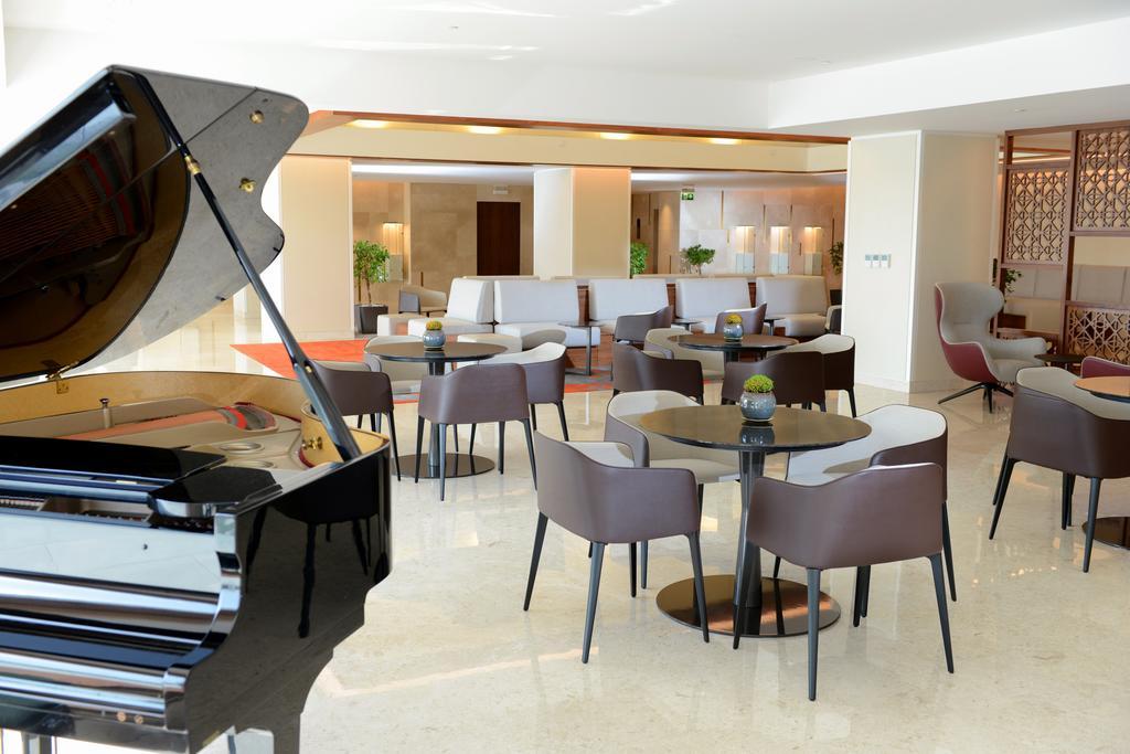 هتل کرون پلازا عمان