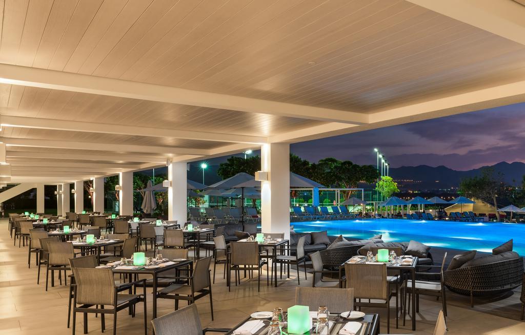 هتل 4 ستاره کرون پلازا مسقط