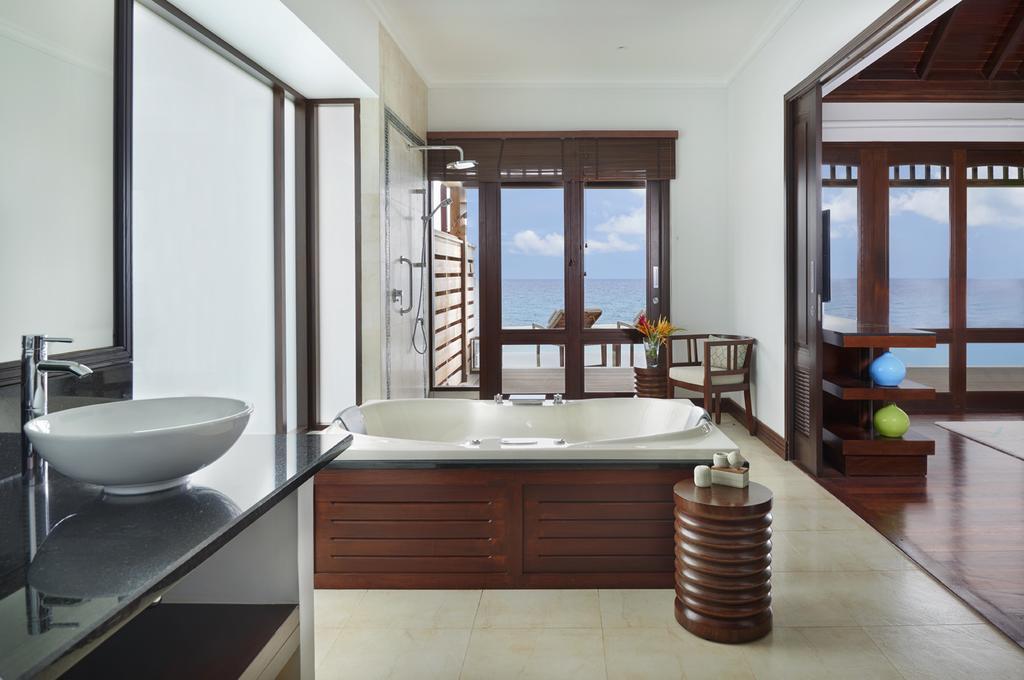 هتل هیلتون نورسلوم جزیره سیشل
