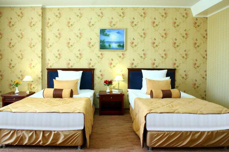 هتل پنج ستاره گلدن دراگون
