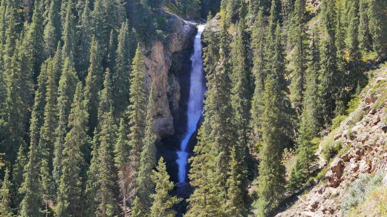آبشار بارسکون قرقیزستان