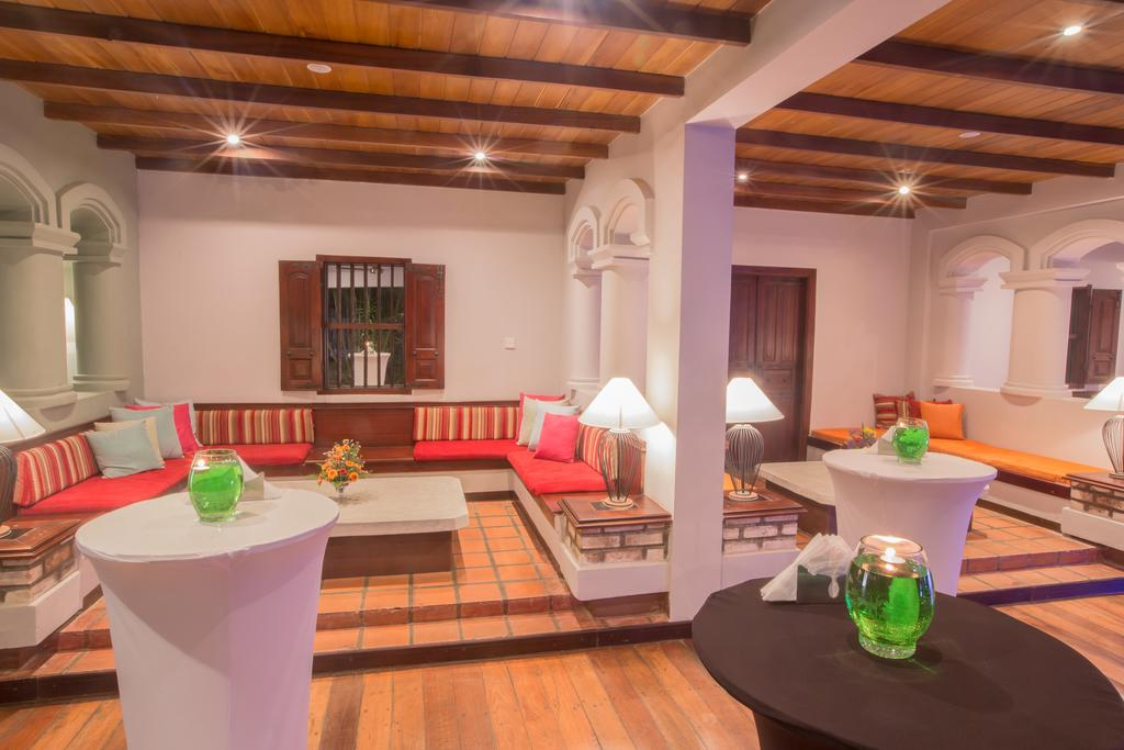 هتل پالمز بروولا سریلانکا
