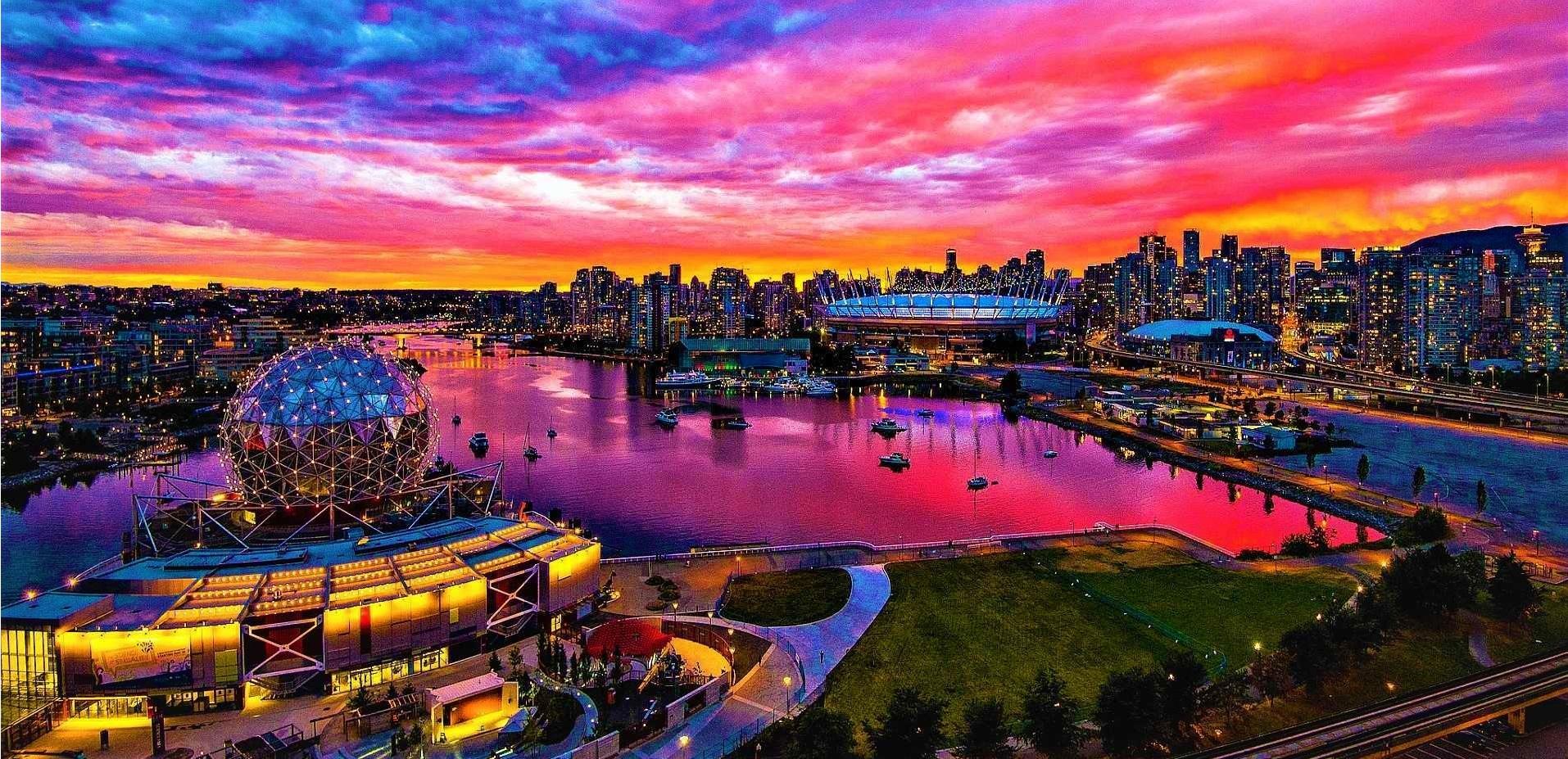 غروب زیبای ونکوور کانادا با منظره دلفریب از شهر