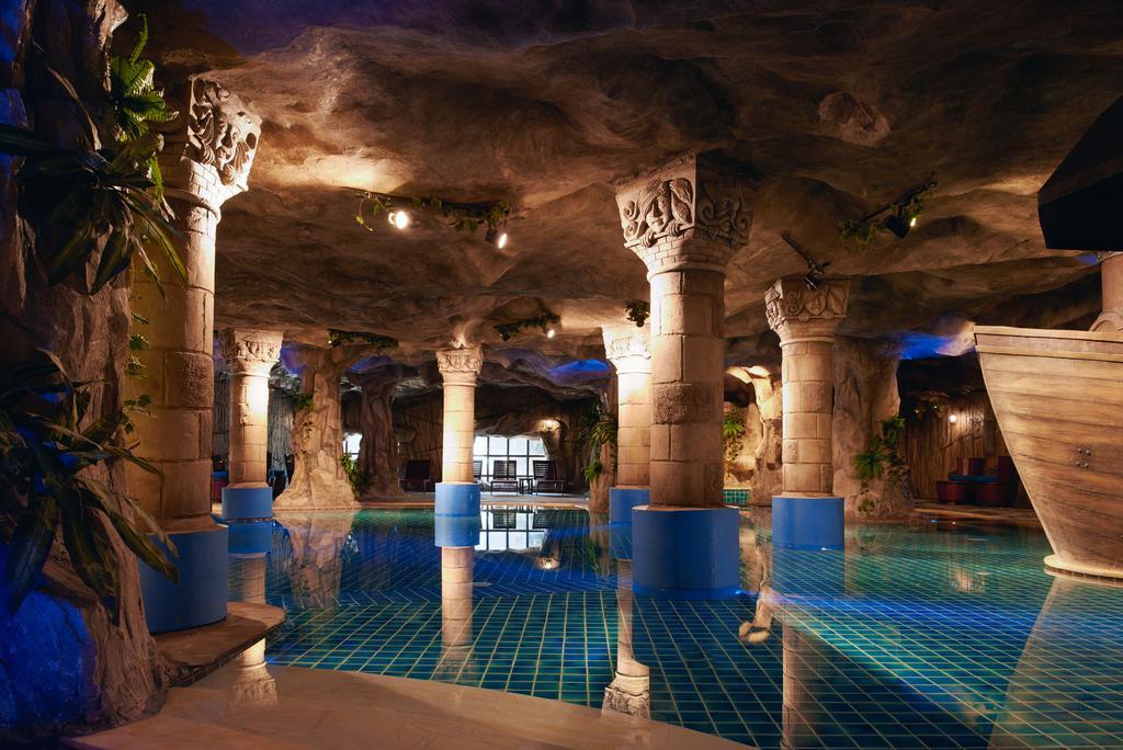 استخر هتل مرکور بانا هیلز ویتنام