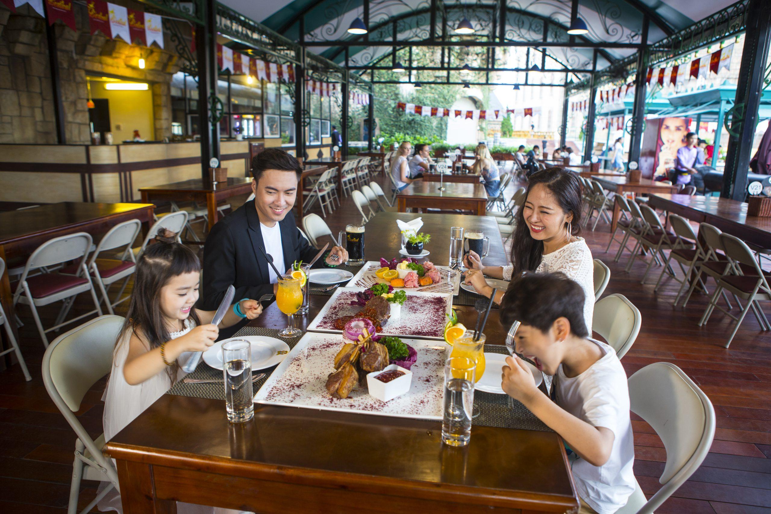 رستوران های دهکده تفریحی سان ورلد دانانگ