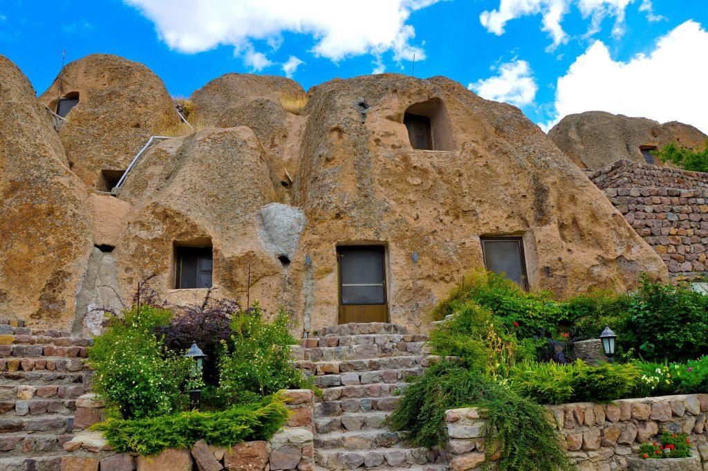 هتل صخره ای کندوان