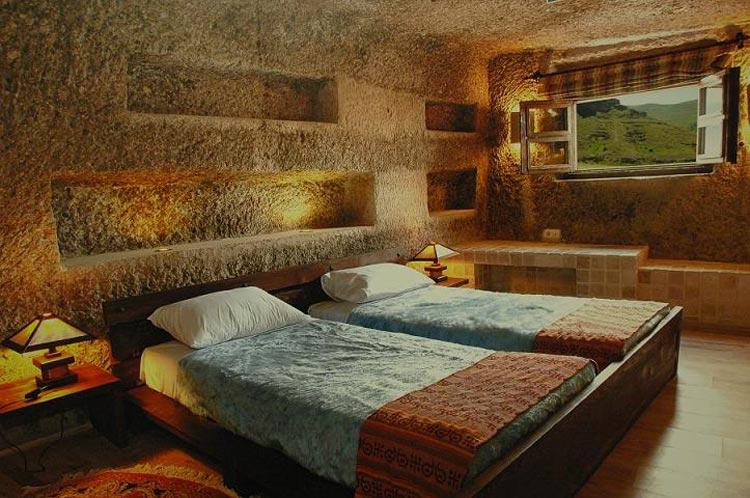 هتل صخره ای5 ستاره لاله کندوان