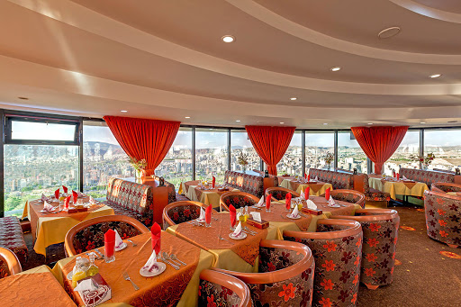 رستوران گردان هتل ائل گلی