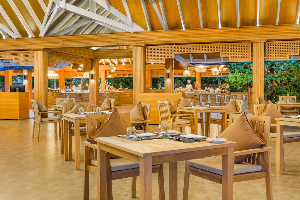 رستوران اصلی هتل کودافوشی ریزورت