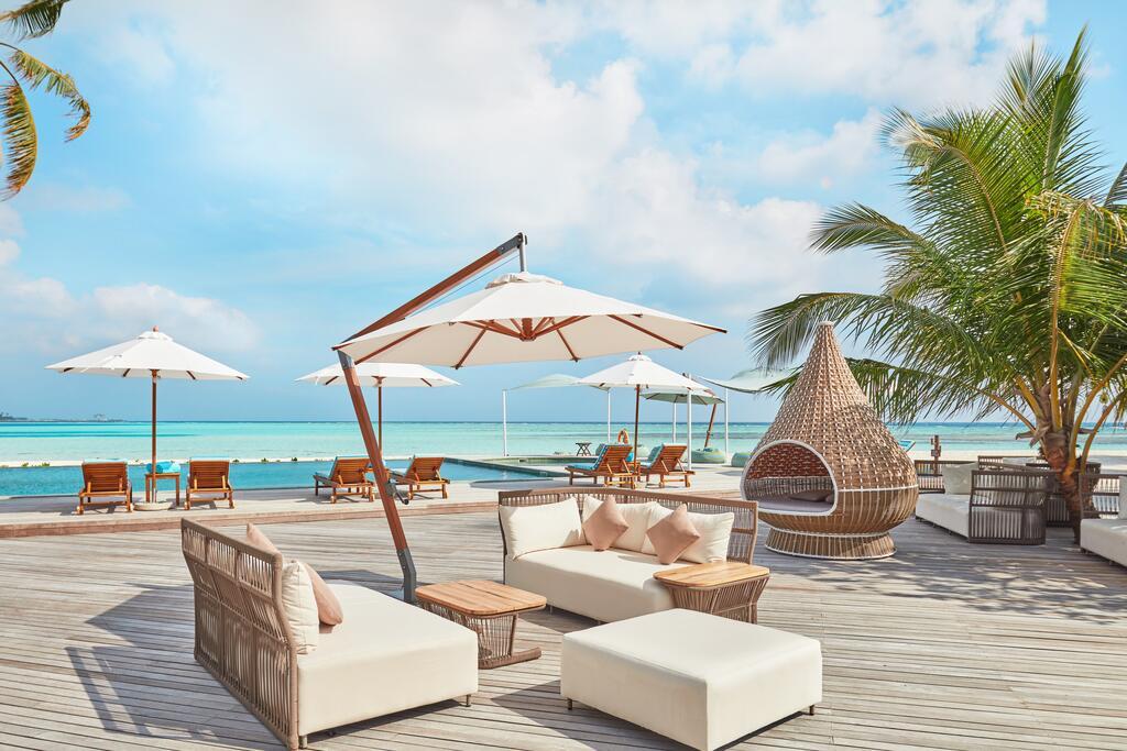 هتل انگسانا ولاوارو مالدیو
